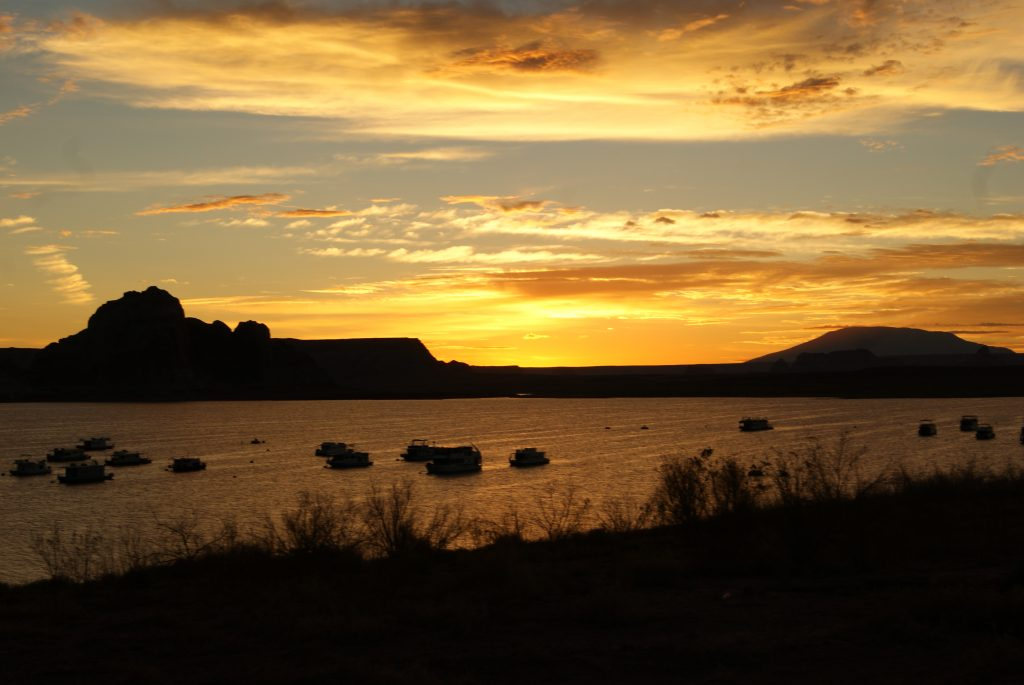 Sunrise over the Lake Powell